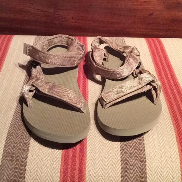 8ac5c610d1ba0 Teva Original Universal Nude Sandals. M 5b458fb04ab633cedc1cb8fc